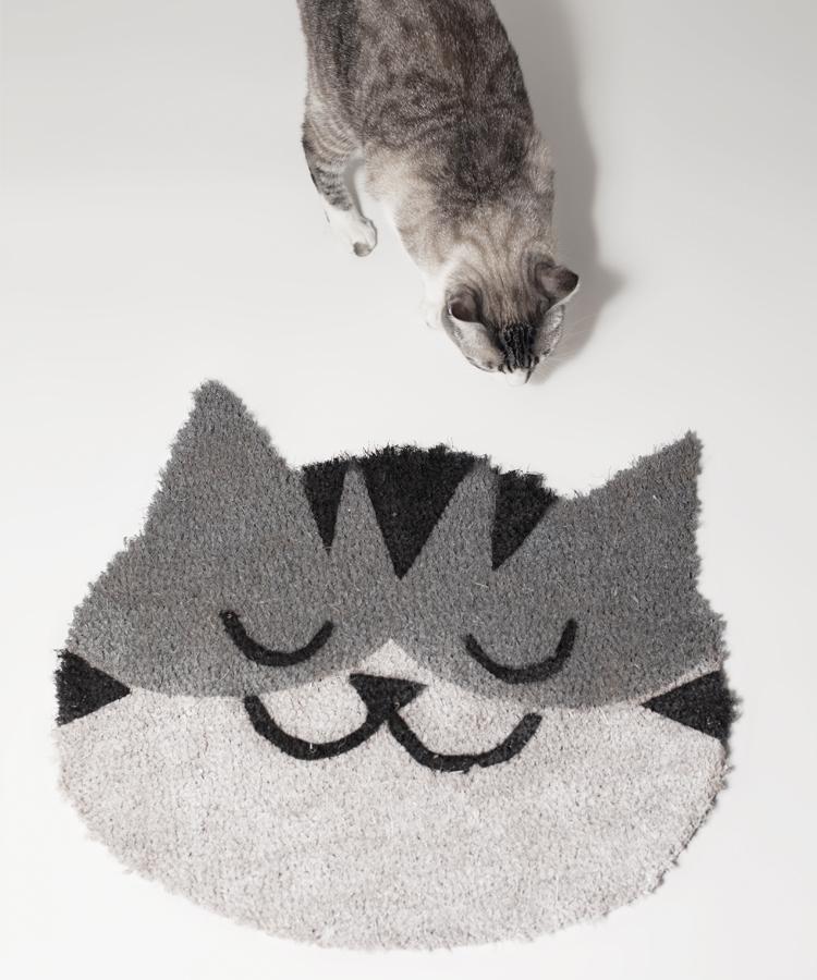 Felpudo cabeza de gato gris